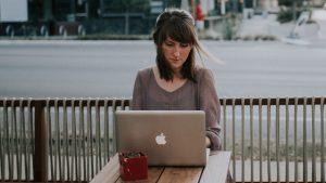 Mujer y tecnología